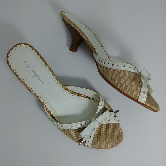 a80dda8507d6 Isaac Mizrahi Shoes - ISAAC MIZRAHI BOW HEELS OPEN TOE TARGET SANDALS